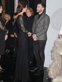 Kate Middleton Photos - Catherine, Duchess of Cambridge meets Jack Whitehall at the end of The Royal Variety Performance at the London Palladium on November 2014 in London, England. - Arrivals at the Royal Variety Performance Princesa Charlotte, Duke And Duchess, Duchess Of Cambridge, Before And After Marriage, Mick Hucknall, The Jonathan Ross Show, Jack Whitehall, Bette Midler, Kate Middleton Photos