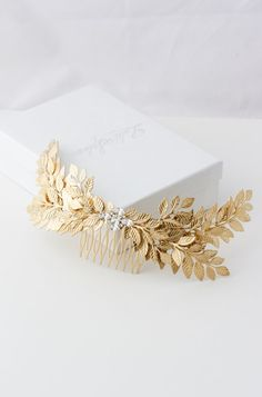 Grecian Headpiece Large Leaf Head Piece Gold by LuluSplendor Peinados Con  Tocado 58717514e5f