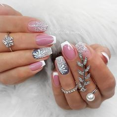 Wedding Natural Gel Nails Design Ideas for Bride 2019 - Pagina 29 van 71 - Soflyme - Hadid Chistmas Nails, Cute Christmas Nails, Xmas Nails, Holiday Nails, Simple Christmas, Christmas Cards, Bridal Nails Designs, Acrylic Nail Designs, Nail Art Designs