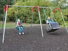 Schaukel für Rollstuhlnutzer.