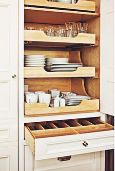 10 Smart Storage Solutions for Your Kitchen . This is just what I've been thinking of for my kitchen cabinets. PerfectTop 10 Smart Storage Solutions for Your Kitchen . This is just what I've been thinking of for my kitchen cabinets. Kitchen Tops, Kitchen Decor, Smart Kitchen, Awesome Kitchen, 1950s Kitchen, Kitchen Layout, Cheap Kitchen, Kitchen Island, Long Kitchen