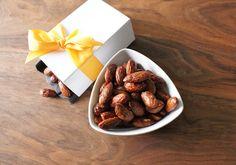 "The Social Home: Easy, Healthy Pumpkin Spice ""Candied"" Almonds Spiced Almonds, Candied Almonds, Healthy Pumpkin, Pumpkin Spice, Bugs, Thanksgiving, Fresh, Eat, Baking Ideas"