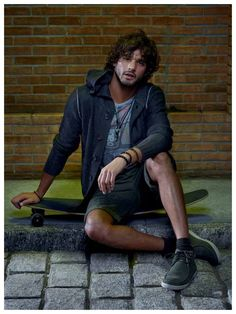 Photographer Gui Paganini captures a group of models, including Marlon Teixeira and Ricardo Barbato for the latest imagery from Dafiti Collection to represent… Marlon Teixeira, Male Model Names, Male Models, Urban Fashion, Mens Fashion, Brazilian Models, Grunge Hair, Look Cool, Beautiful Men