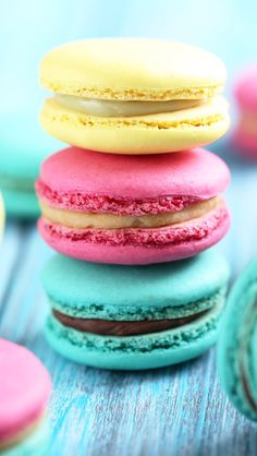 Cool Colorful Wallpapers Similar To Iphone X Yummy Macaroon Wallpaper Deserts Pinterest