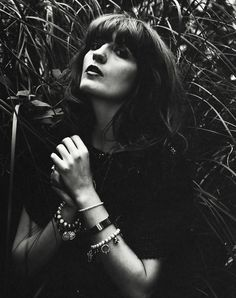 Florence Welch Florence Welch, Dog Days Are Over, Before The Dawn, Florence The Machines, Celebrity Style Inspiration, Great Pic, Pre Raphaelite, Many Faces, Florence