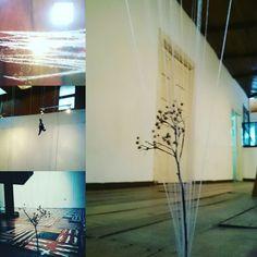 Como van poniendo en escena una exposición de #Arte... #ArmeniaCo
