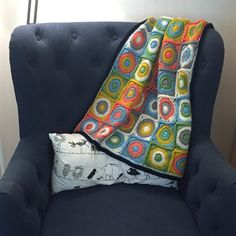 Free crochet pattern: Retro Baby Dots Blanket by Suvi's Crochet