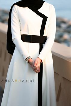 Annah Hariri, Online, Modest clothing atelier of high end quality Abaya Fashion, Modest Fashion, Fashion Outfits, Trendy Fashion, Muslim Women Fashion, Islamic Fashion, Muslim Dress, Hijab Dress, Mode Abaya