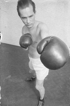 runoilija Yrjö Jylhä  Pietinen 1931 Museovirasto Gym Equipment, Exercise, Sports, Ejercicio, Excercise, Sport, Tone It Up, Work Outs, Workout Equipment