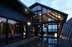 La Villa Ssk es de madera y está ubicada en la bahía de Tokyo. Se trata de una creación de Takeshi Hirobe Arqs e impacta por sus múltiples vistas...