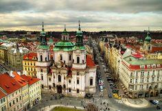 Praha: Kostel sv. Mikuláše na Staroměstském náměstí / St. Nicholas Church in the Old Town Square