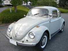 Classic Car News Pics And Videos From Around The World Volkswagen, Volkswagon Van, Vintage Cars, Antique Cars, Porsche 356, Vw Beetles, Cars And Motorcycles, Type 1, Classic Cars