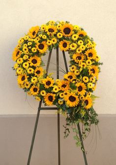 Send Radiant Sun Wreath in Santa Fe Springs, CA from Le Fleur Floral Couture, the best florist in Santa Fe Springs. All flowers are hand delivered and same day delivery may be available. Deco Floral, Arte Floral, Funeral Floral Arrangements, Flower Arrangements, Bolo Tipo Pullman, Funeral Sprays, Cemetery Decorations, Memorial Flowers, Funeral Planning