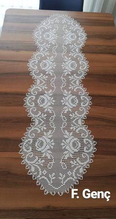 Crochet Placemats, Crochet Doilies, Crochet Lace, Baby Knitting Patterns, Crochet Patterns, Crochet Toilet Roll Cover, Crochet Table Topper, Fillet Crochet, Crochet Bookmarks
