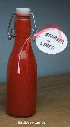 Erdbeer-Limes 500 g gewaschene und gerupfte Erdbeeren 175 g Zucker 150 ml Wasser 175 g Zitronensaft (frisch gepresst) 230 ml Wodka  Wasser und Zucker in einem Topf erhitzen, bis Zucker gelöst, abkühlen lassen. Erdbeeren pürieren. Erbeermus und Zitronensaft zum Zuckerwasser und Wodka zugeben. In sterilisierte Flaschen abfüllen. Kalt stellen