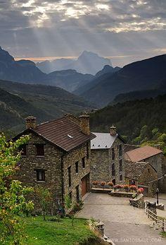 Parque Nacional de Ordesa (Spanish Pyrenees) https://www.facebook.com/natural.hotel.spain