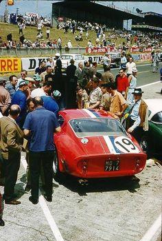 Classic Car News Pics And Videos From Around The World Ferrari 250 Gto, Ferrari Racing, Ferrari Car, F1 Racing, Racing Team, Road Racing, Nascar, Course Automobile, Le Mans 24