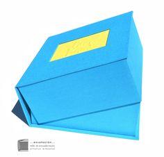 • Caja para álbumes • a pedido de Teresa hacia La Pampa  Caja tipo almeja para álbumes de fotos – Cubierta de tela y bajorrelieve  – Tamaño 26 x 26 x 11cm