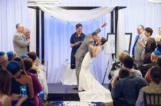 Virginia Elegant Modern Jewish Wedding//smashingtheglass