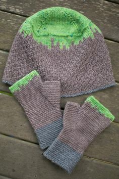 Minecraft-Inspired Beanie and Mitts