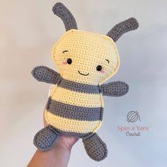 Mesmerizing Crochet an Amigurumi Rabbit Ideas. Lovely Crochet an Amigurumi Rabbit Ideas. Crochet Bee, Kawaii Crochet, Crochet Gratis, Crochet Pillow, Cute Crochet, Crochet For Kids, Crochet Dolls, Crochet Yarn, Crochet Toys Patterns