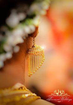 "Pixonova ""Portfolio"" album - Indian wedding earrings for bride #weddingnet #wedding #india #kolkatawedding #indian #indianwedding #weddingphotographer #candidphotographer #weddingdresses #mehendi #ceremony #realwedding #lehenga #lehengacholi #choli #lehengawedding #lehengasaree #saree #bridalsaree #weddingsaree #earrings"