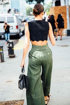 This Pin was discovered by AVE Styles. Discover (and save!) your own Pins on Pinterest. vogue.es