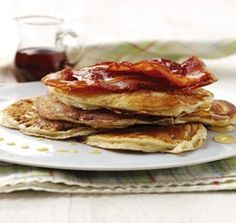 This Pancakes With Maple Syrup And Crispy Bacon Recipe is a great breakfast treat or simply served for dinner as an alternative to the traditional pancake. Crispy Bacon Recipe, Bacon Recipes, Pancake Day, Mille Crepe, Maple Syrup, Soup And Salad, Crepes, Dutch, Pancakes