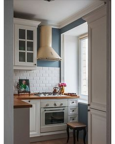 62 Trendy home office ikea small Apartment Kitchen, Kitchen Interior, Kitchen Decor, Kitchen Design, Minimal House Design, Painting Kitchen Cabinets, Trendy Home, Beautiful Kitchens, Home Kitchens