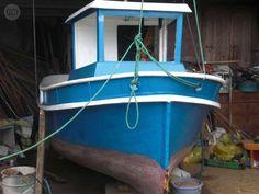 . se vende embarcaci�n 7� lista con papeles al dia eslora 4 30  manga  1 50 motor 25 caballos yamaha , tiene  aparato sonda y hf el barco es muy marinero