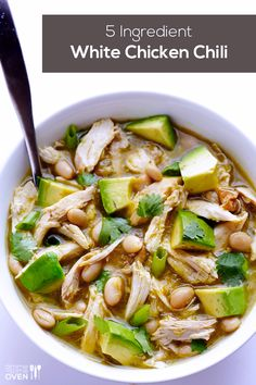 Another recipe I have yet to make, but it looks SO GOOD!  5 Ingredient White Chicken Chili | gimmesomeoven.com Chicken Chili Verde, Tomatillo Chicken, White Bean Chicken Chili, White Chili, Best White Chicken Chili Recipe, Good Healthy Recipes, Quick Recipes, Healthy Eats, Rotisserie Chicken