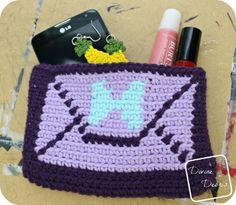 Envelope Clutch Purse (free)  crochet pattern by DivineDebris.com