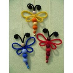 Dragonflies made from beads and pipe cleaners