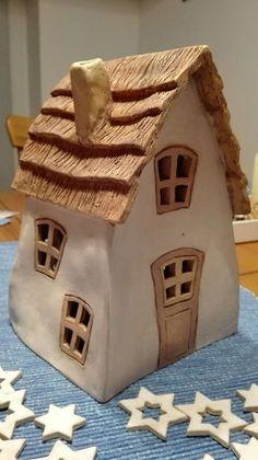 30 Einzigartig Töpfern Ideen Für Haus Und Garten Check more at www. Pottery Tools, Slab Pottery, Ceramic Pottery, Clay Houses, Ceramic Houses, Ceramic Decor, Ceramic Art, Clay Projects, Clay Crafts