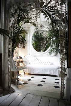 Moon to Moon: A Bohemian London Townhouse....