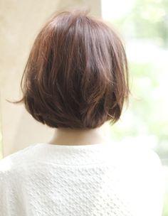 上品モカベージュボブ EN216 | ヘアカタログ・髪型・ヘアスタイル|AFLOAT(アフロート)表参道・銀座・名古屋の美容室・美容院 Short Haircuts, Bob Hairstyles, Short Bobs, Japanese Style, Short Hair Styles, Hair Cuts, Hair Color, Hair Beauty, Up Dos