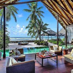 Relaxing day in Maldives. ⛱✌️ •  • To-do List: Enjoy Maldives ✔ •  • @travelfacinations •  • Shangri-La Maldives •  • Maldives • #️⃣ • #todolistmagazine #resortsmag