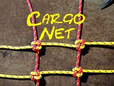 Crown Knot for Making a Cargo Net or Climbing Net In this short video I demonstrate how to use a two strand crown knot or Japanese Crown Knot to make a cargo. Paracord Knots, Rope Knots, Macrame Knots, Net Making, Survival Knots, Knots Guide, Cargo Net, Climbing Rope, Rope Crafts