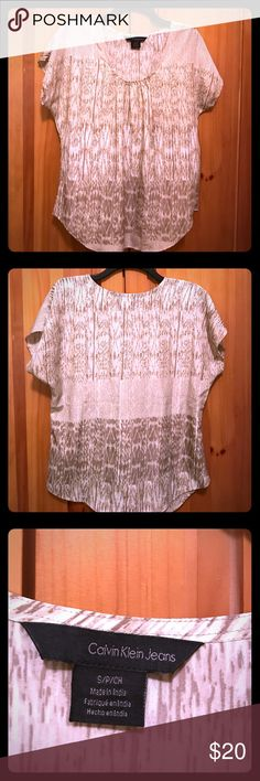 EUC Calvin Klein Top Excellent used condition Calvin Klein Top - machine washable - comes from a smoke free home Calvin Klein Jeans Tops Blouses