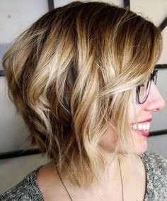 New Short Shaggy Hairstyles For Women to Rock This Year | Gosh Styles Shaggy Bob Haircut, Shaggy Short Hair, Short Shag Hairstyles, Haircut For Thick Hair, Modern Hairstyles, Pretty Hairstyles, Short Hair Cuts, Layered Hairstyles, Bob Haircuts