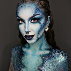 If you are searching for the greatest Halloween makeup suggestions for ladies, you have arrived at the correct location for inspiration! Scary Halloween, Halloween Make Up, Halloween Face Makeup, Mermaid Halloween Makeup, Pretty Halloween, Mehron Makeup, Fx Makeup, Makeup Ideas, Creepy Makeup