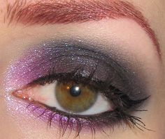 Glitter is my crack...: Dramatic Violet and Black Eye Makeup Look