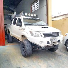 Mini Gps Tracker, Toyota Trucks, Toyota Hilux, Cars And Motorcycles, Offroad, 4x4, Monster Trucks, Hunting, Ford