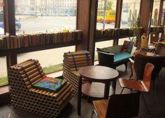 Resort / fotele z tekturowych rolek i sofa z wanny, Klubokawiarnia Resort Warszawa / Polish design, polski dizajn, polskie wzornictwo, made in Poland. Pinned by #AdrianWerner