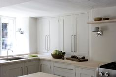Plain English Kitchens - love the simple panelling, traditional, but still modern and simple kitchen hardware Plain English Kitchen, English Kitchens, White Kitchen Cupboards, Kitchen Cabinet Remodel, Contemporary Kitchen Cabinets, Long House, House 2, Handmade Kitchens, Bespoke Kitchens