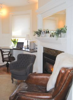 A custom desk built into the curve of this turret room has all the storage and surface area this busy couple needs to make working from home a joy. The fireplace doesn't hurt either! Home Office Space, Home Office Design, Office Spaces, Built In Bench, Built In Storage, Interior Work, Interior Design, Custom Desk, Custom Drapes