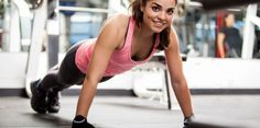 Heb je geen zin om naar de sportschool te gaan? Of heb je weinig tijd? Doe dan deze korte, maar zeer effectieve thuis-workout.
