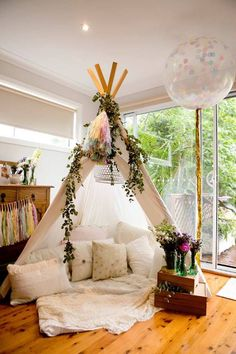 Florals and Teepee - boho party idea