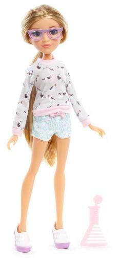 Meet Adrienne Attoms, who is the ultimate girlie girl, and brilliant culinary chemist with Project Articulated fashion doll has a totally cool outfit that reflects her personality and style. New Dolls, Barbie Dolls, Stuffed Animals, Project Mc Square, Projekt Mc2, Project Mc2 Dolls, 18 Inch Boy Doll, Zapf Creation, Monster High Dolls
