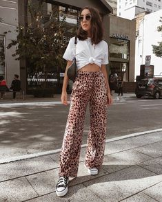 10 Cool Ways to Wear Leopard Print - This edgy fashion trend + style tips is gua. - 10 Cool Ways to Wear Leopard Print – This edgy fashion trend + style tips is guaranteed to turn h - Celebrity Style Casual, Celebrity Style Inspiration, Mode Inspiration, Style Ideas, Party Fashion, Look Fashion, Runway Fashion, Fall Fashion, Seoul Fashion